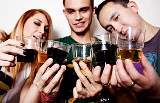 Как становятся алкоголиками. Стадии алкоголизма