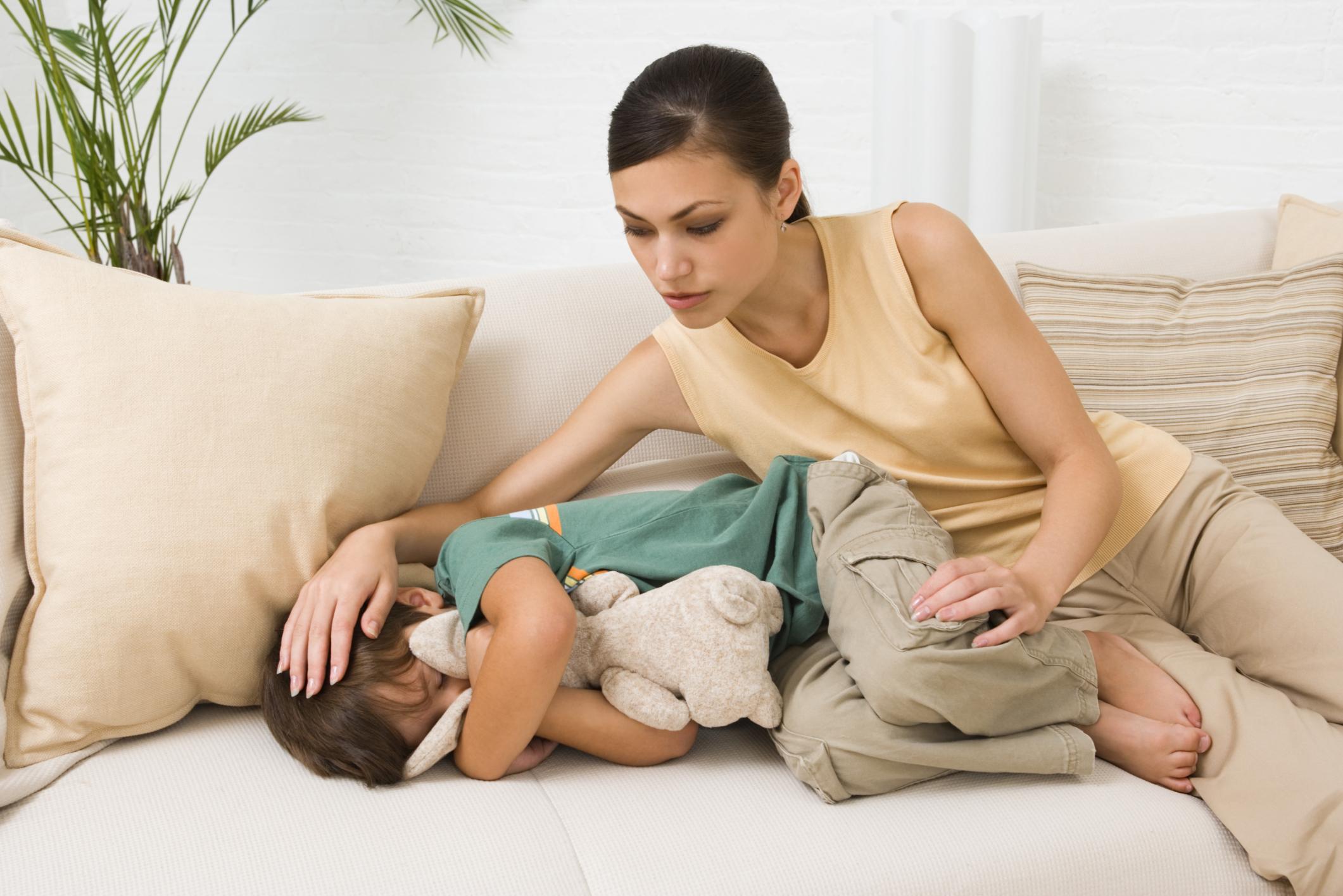 Синдром гипервозбудимости – патология у детей, которая проявляется в виде неконтролируемого поведения. Причиной становятся нарушения в работе головного мозга.
