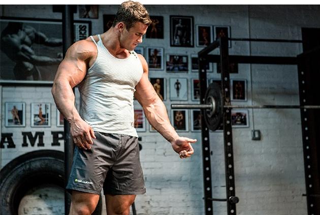 13-sovetov-mistera-vselennaya-po-trenirovke-bicepsov-1