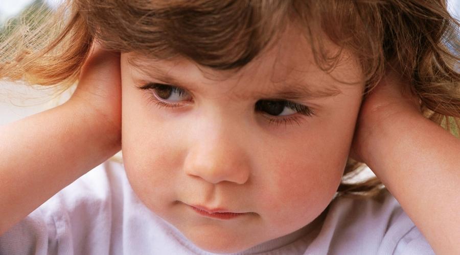 Аутизм – это расстройство, влияющее на взаимодействие человека в социуме, общение, поведение и интересы.