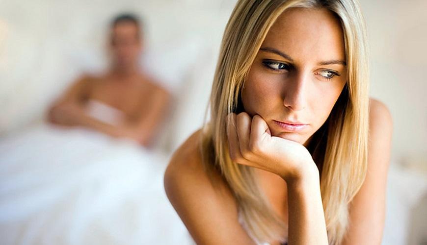 Синдром истощения яичников – это состояния в виде снижения количества выработки женских половых гормонов эстрогенов и прогестеронов, уменьшение количества фолликулов.
