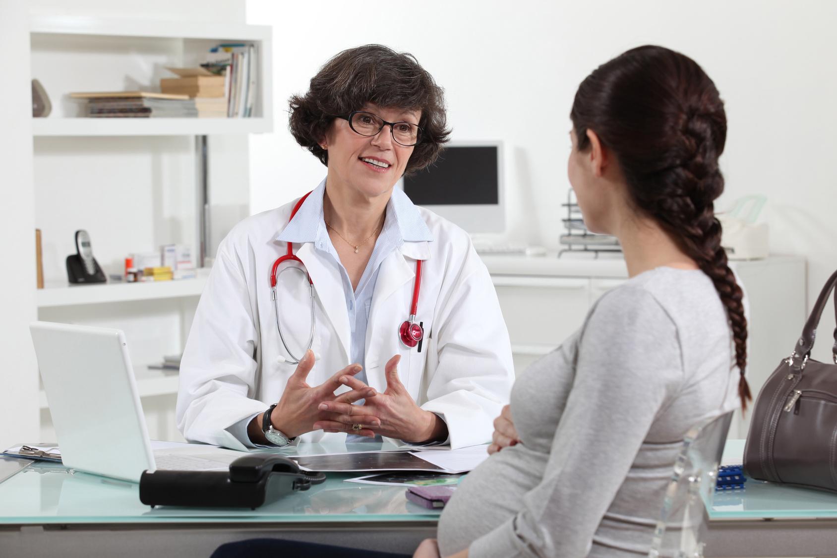 Кистома яичника – доброкачественная опухоль, которая представляет собой полость, заполненную жидкостью. Может увеличиться в диаметре до 10 - 15 см. Чаще всего встречается у женщин после 30 лет.