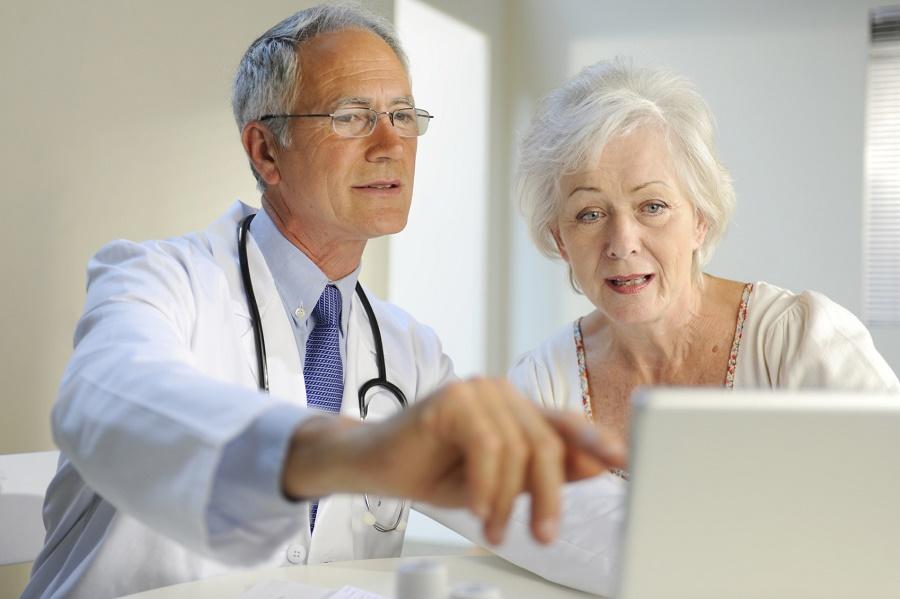 Аневризма сердца – это заболевание сердечно-сосудистой системы, при котором возникает патологическое выпячивание сердечных стенок в месте истончения. Аневризма может проявляться одышкой, сердцебиением, ортопноэ, приступами астмы, тяжелыми нарушениями серд
