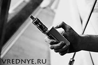 Как включить электронную сигарету – два варианта