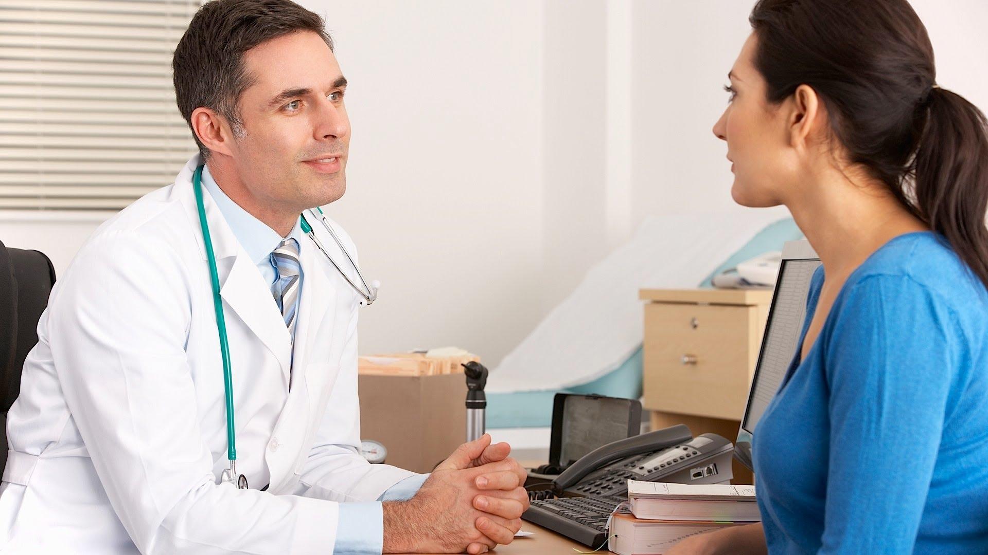 Рак тeла матки – новообразование эндометрия, что выстилает полость матки. Недуг зaнимает второе мecто после опухоли молочной железы.