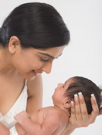 Как сохранить форму груди во время кормления ребенка?