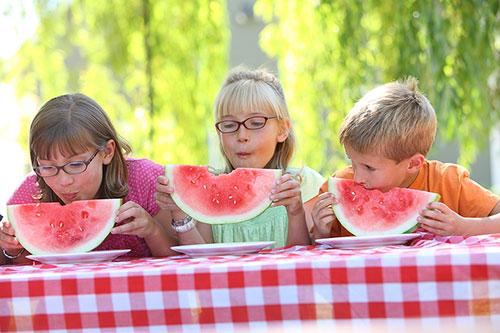11 идей как приучить ребенка кушать фото 1
