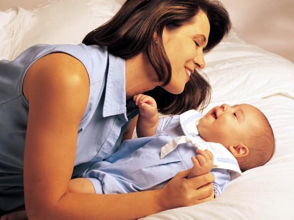 Пеленание новорожденных: свободу малышам