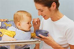 Первый прикорм грудного ребенка