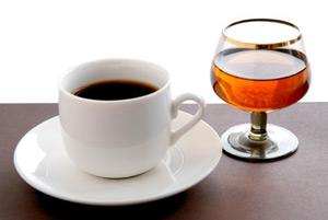 Алкоголь и кофе - это ядерная смесь