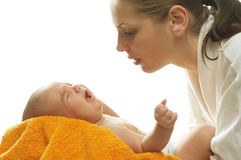 Кишечные колики у новорожденных – это острые эпизодические боли в животе, которые встречают у детей в первые полгода жизни.