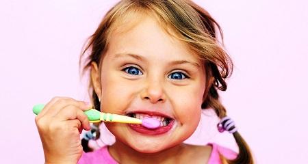 Черные зубы у детей: как лечить?