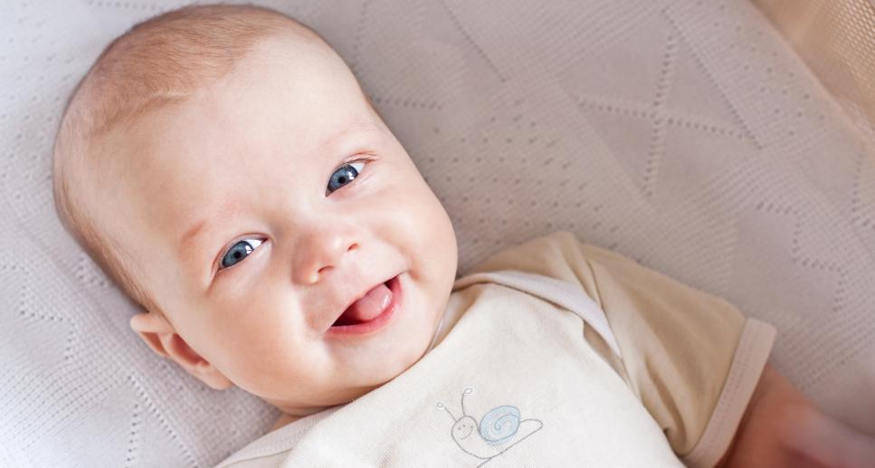 Белый язык у новорожденного: возможные причины