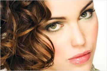 цвет волос к зеленым глазам