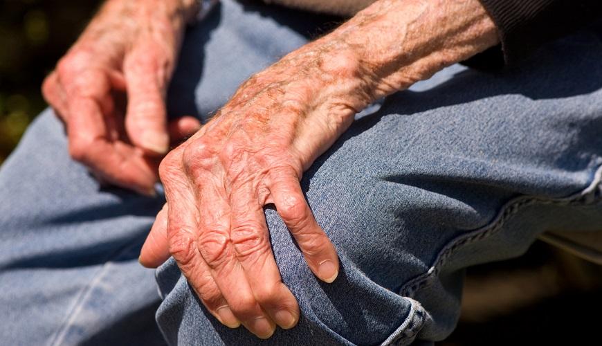 Болезнь Паркинсона, или дрожательный паралич – это медленно прогрессирующее, идиопатическое заболевание центральной нервной системы.