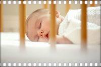 Детские кроватки с маятником