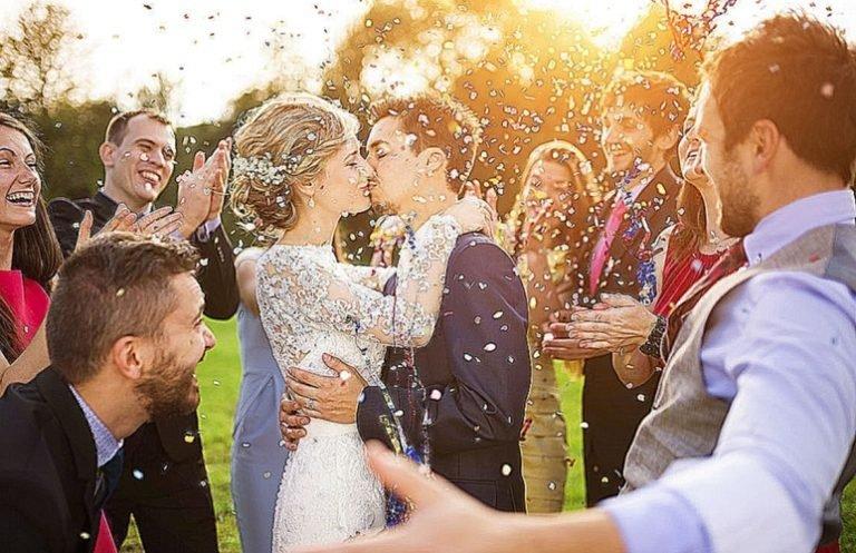 65c6539102601a А ось коли побачити уві сні весілля друга, то це означає, що якщо сплячий з  цим одним вирішать відкрити свою справу, то через деякий час воно переросте  в ...