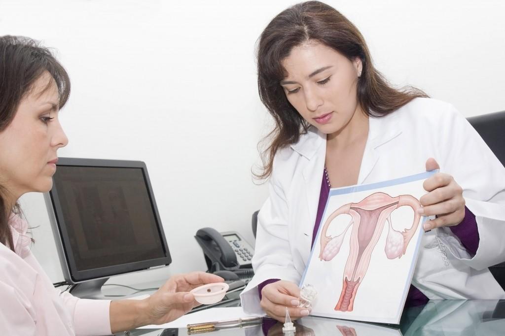 Синдром резистентных яичников – это заболевание, которое встречается у молодых женщин и характеризуется отсутствием менструальных выделений и бесплодием.