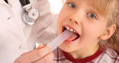 Как распознать фарингит у детей: симптомы