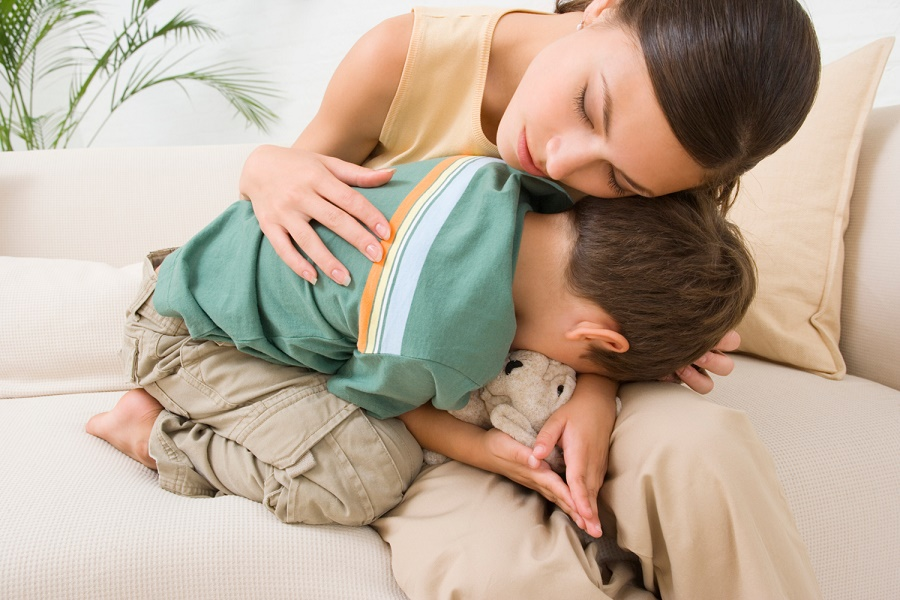 Гепатобластома – это злокачественная опухоль печени эмбрионального происхождения, которая проявляется у детей до трех лет.