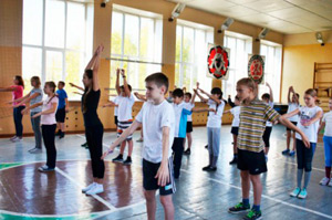 Болезнь может развиваться у школьников, которым неправильно преподают физкультуру