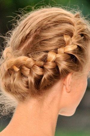 Как заплести греческую косу