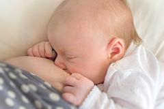 Грудное вскармливание после родов