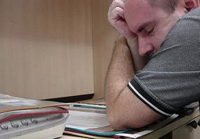 Быстрая утомляемость и сонливость, головные боли: выясняем, лечим