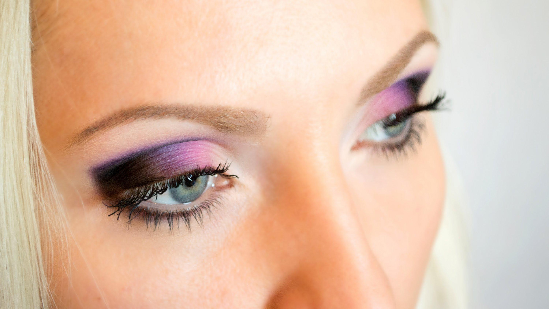 Розовые и зеленые тени фото макияжа