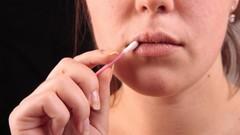 Как лечить простуду на губе при беременности?