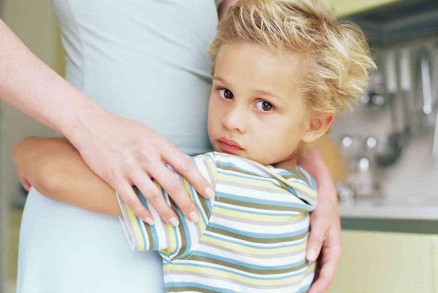 Как перебороть страх ребенка к незнакомым?