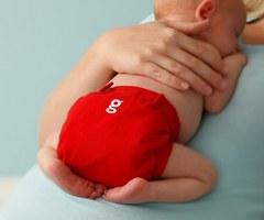 Как распознать водянку яичка у новорожденного?