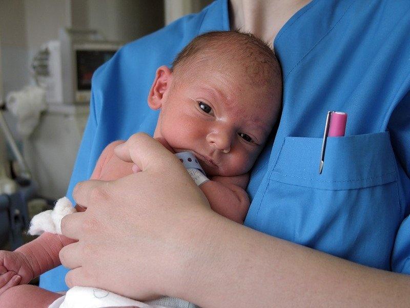 Как выхаживать недоношенного ребенка