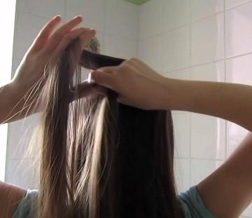 как заплести косы самой себе
