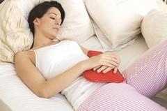 Почему у женщин бывают месячные со сгустками крови?