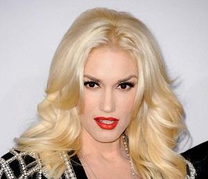 Кареглазая блондинка