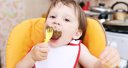Прикорм ребенка мясом: правила введения этого продукта
