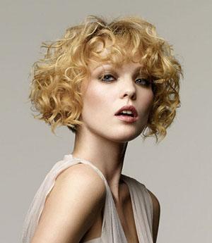 Короткая стрижка волнистое каре для вьющихся волос