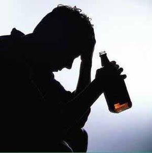 Лечение нужно начинать с отказа от алкоголя