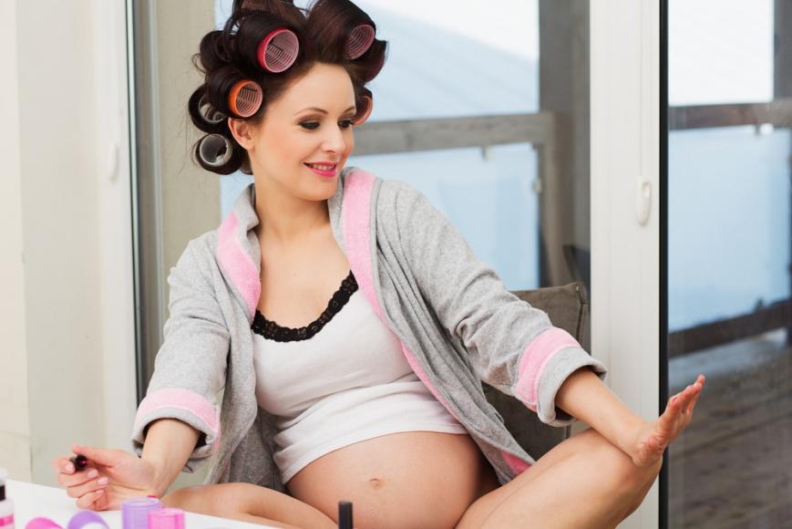 Можно ли красить волосы в 1 триместре беременности