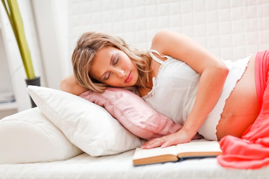 Сон на животе в 1 триместре беременности
