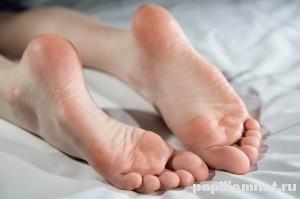 Фото ног к статье о мозолях на ногах