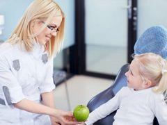 Как подготовить девочку к посещению гинеколога?