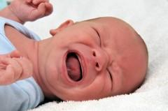 Отчего кричит новорожденный?