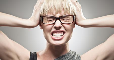 Болит голова: возможные причины