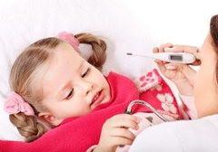 Чем лечить больное горло ребенку?