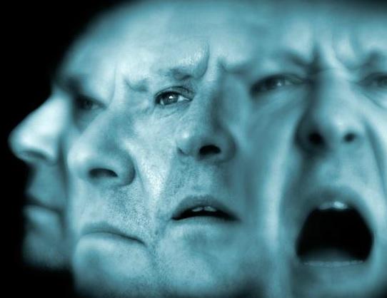 От чего возникает шизофрения