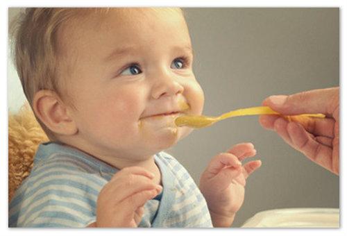 Прикорм ребенка кашами