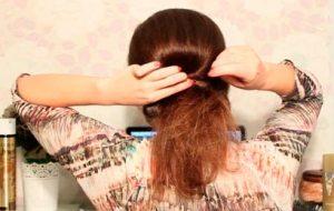 Простая прическа на волосы по плечи