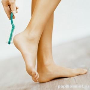 Фото ног к статье о лечении мозолей на пятках